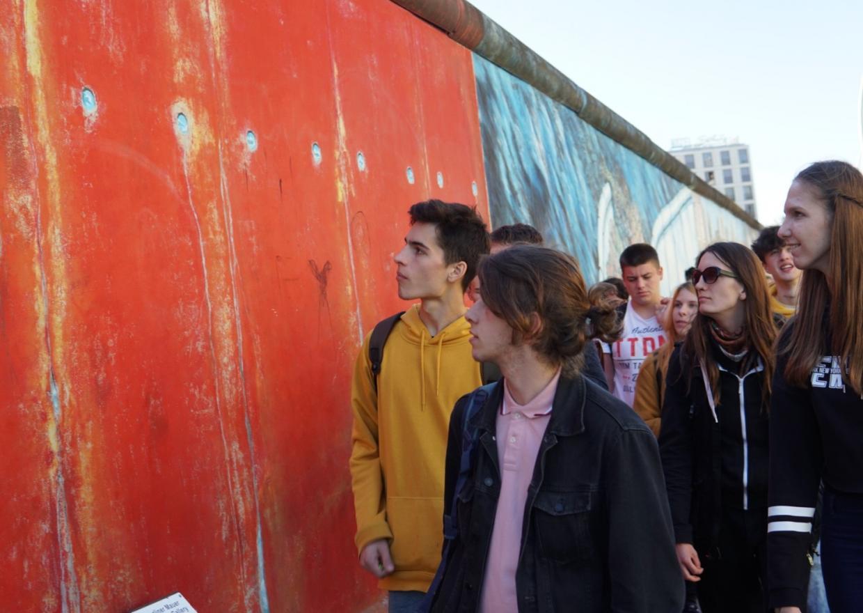 """Deutsch-polnische Jugendbegegnung 2018 """"Station Diversität"""" - Besichtigung der Eastside Gallery Berlin"""