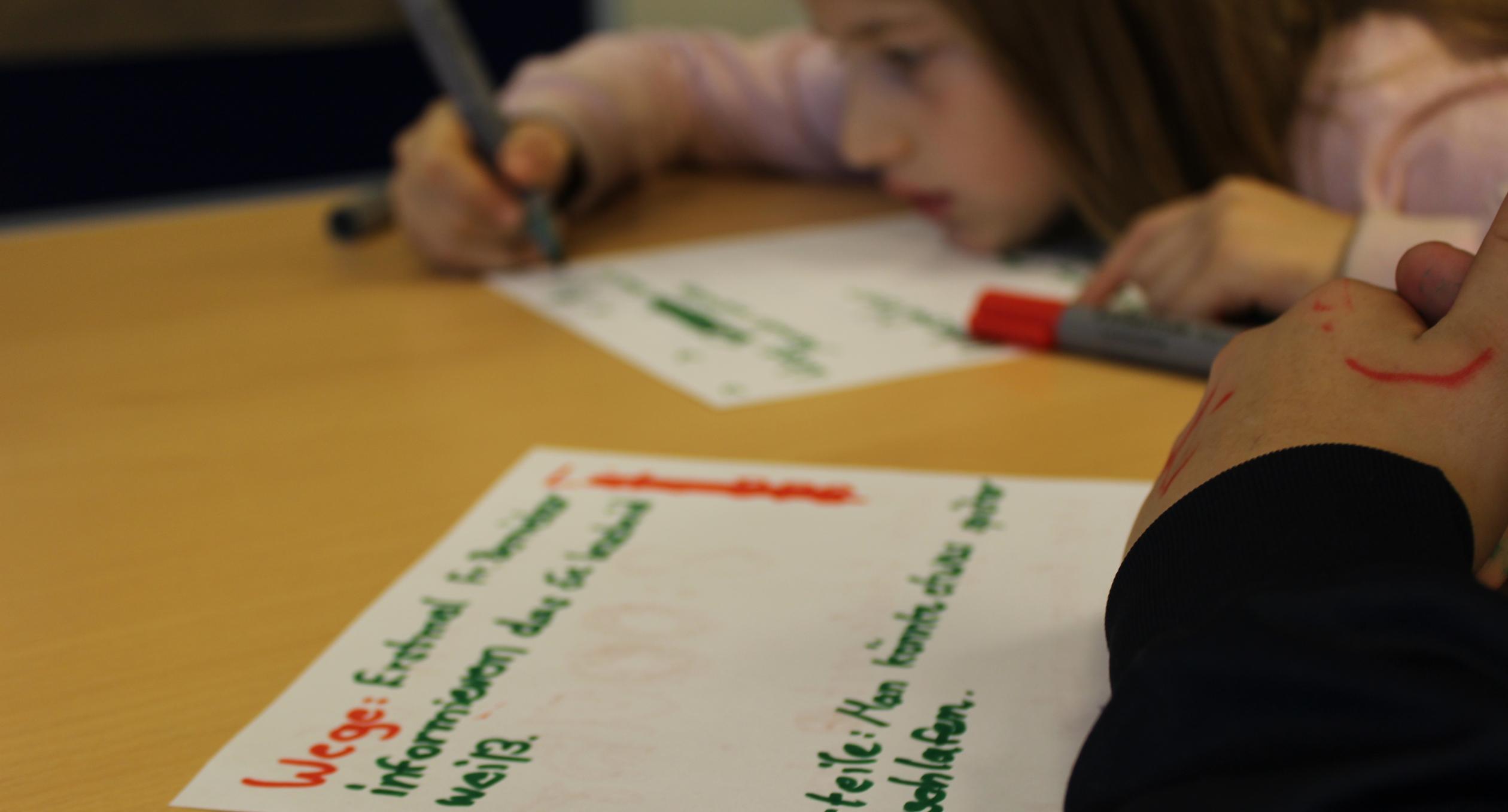 Kinder planen ein Projekt
