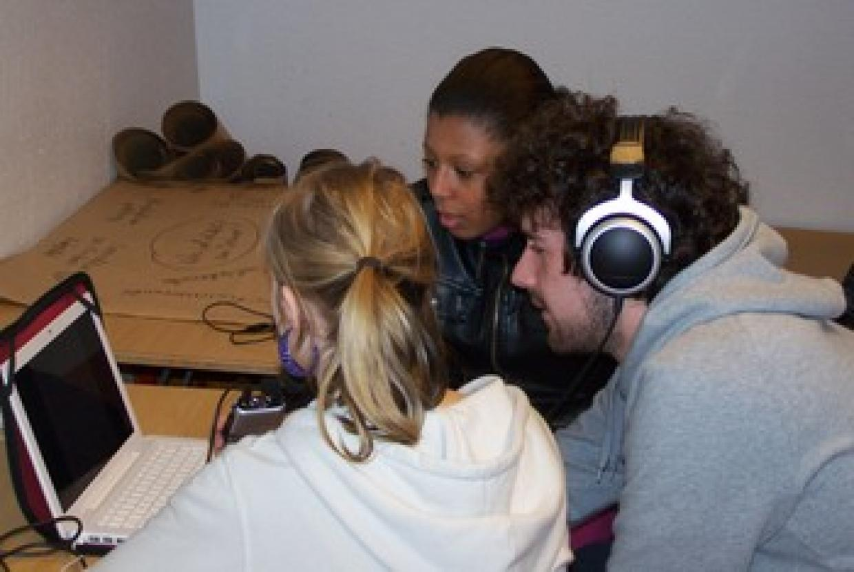 """""""Medien bilden – aber wie?"""" - Seminarreihe zu Medien und vorurteilsbewusster Erziehung für Auszubildende im Erziehungsbereich"""