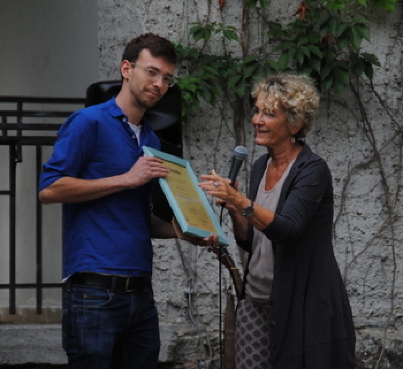 René Faust erhielt die Urkunde zum Ehrenamtspreis aus den Händen von Gerrit Große (MdL Brandenburg).