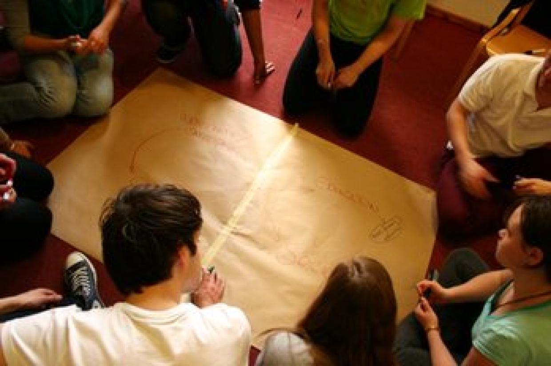Gemeinsame Plakatpräsentationen - in der Jugendbildungsstätte Kurt Löwenstein